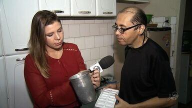 Moradores têm água da torneira suja e esverdeada em bairro de Fortaleza - Confira mais notícias em G1.globo.com/ce