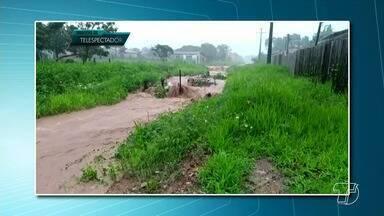 Chuva provoca estragos e assusta moradores em Monte Alegre e Alenquer - A chuva atinge a região há dias.