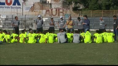 Flávio Araújo estreia no comando do Treze em jogo difícil contra o Sousa - Treinador foi apresentado no PV e vai comandar o time pela primeira vez no jogo deste domingo, no Sertão