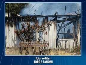 Incêndio destrói casa de madeira em Dracena - Não houve feridos.