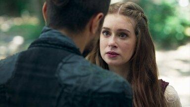 Amália avisa a Virgílio que precisa passar um tempo sozinha - Ela explica que tem sido muito difícil esse momento