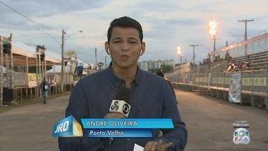 Noite de desfile das escolas de samba em Porto Velho - André Oliveira.