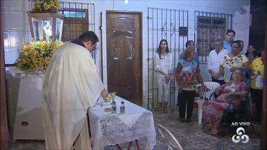 Imagem do padroeiro de Macapá começa peregrinações em casas e instituições públicas - Peregrinações da imagem de São José iniciaram nesta segunda-feira (26) e seguem até o dia 9 de março.
