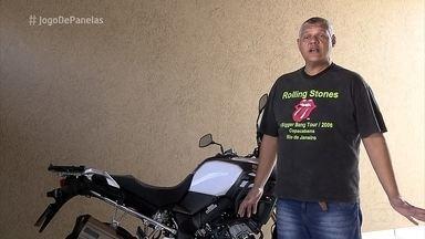 Norberto escolhe o tema 'Rota 66' para seu jantar no 'Jogo de Panelas 24' - Vidraceiro é apaixonado por motos e rock and roll. Ele montou seu evento na garagem da casa, confira a decoração!