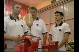 Alunos de Escola de Santa Rosa, RS, são convidados a participar de feira na Escócia - Reconhecimento veio através da criação de um protótipo de perna mecânica.