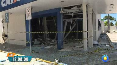 Bandidos explodem agência da Caixa Econômica em João Pessoa - A agência fica num bairro residencial, em Jaguaribe.