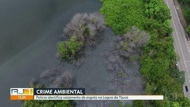 Polícia identifica vazamento de esgoto na Lagoa da Tijuca - Um crime ambiental na Barra da Tijuca. A polícia flagrou um vazamento de esgoto in natura na Lagoa da Tijuca, em uma tubulação do Shopping Village Mall, um dos mais luxuosos da cidade.