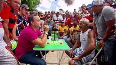 Em ritmo de Pernambucano, Caldinho do GE faz a festa no município de Escada - Torcedores do Sport e Náutico comemoram classificação para próxima fase, enquanto os do Santa Cruz esperam melhor sorte dos tricolores