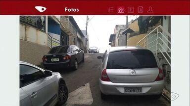 VC no ESTV: Telespectador flagra veículos estacionados em local irregular, em Cachoeiro - Guarda Municipal disse que infração é considerada grave.