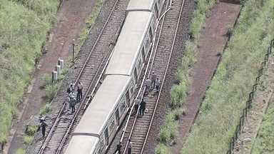 DF1 - Edição de quarta-feira, 28/2/2017 - Trem do metrô sai dos trilhos entre as estações de Águas Claras e Arniqueiras. Não havia passageiros na composição - que estava a caminho da garagem. Mas o acidente provocou atrasos e paralisação em todo o sistema. E mais as notícias da manhã.