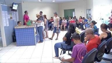Eleitores fazem fila para biometria em Dourados, MS - A biometria ainda não é obrigatória para quem vota no interior.