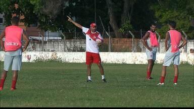 Onze dias após o adiamento, Serrano e Auto Esporte completam a 8ª rodada do Paraibano - Macaco Autino se prepara para a disputa do quadrangular da morte e ainda busca a primeira vitória na temporada.
