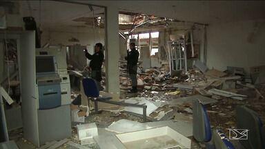 Polícia procura por bandidos que assaltaram bancos em Aldeias Altas - Os criminosos explodiram dois bancos, além da agência dos correios e uma casa lotérica da cidade.