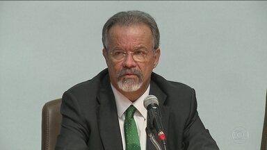 Jungmann orienta novo diretor da PF: 'Combata o crime e a corrupção' - Ministro da Segurança Pública ressaltou prioridade da Lava Jato e comparou intervenção a uma bomba atômica.