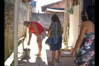 No bairro do Curuçambá, em Ananindeua, moradores reclamam da falta de água - Segundo eles, problema já dura três semanas.