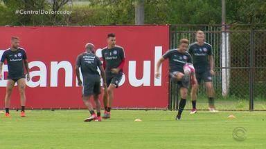 Sem jogos neste fim de semana, Inter faz treina em Porto Alegre - Assista ao vídeo.