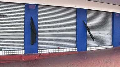 Comerciantes protestam em Telêmaco Borba após morte de colega durante tentativa de assalto - Ele foi morto na sexta-feira na loja em que era proprietário