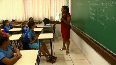 Professores das escolas municipais de Toledo improvisam para não deixar alunos sem aulas - Falta professores. A maioria está afastada por atestado médico.