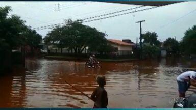 Chuva forte causa alagamento por todo canto da cidade - Ruas desapareceram com a chuva volumosa