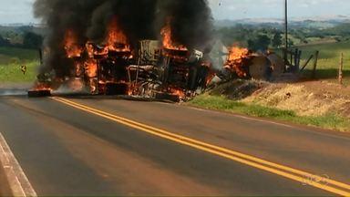 Homem morre queimado em acidente agora à tarde - O acidente foi na PR 82, perto de Jardim Alegre.