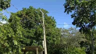 Moradores de Ponta de Pedras reclamam da falta de energia na comunidade - Segundo eles, há dias o fornecimento de energia foi interrompido e tem gerado problemas.