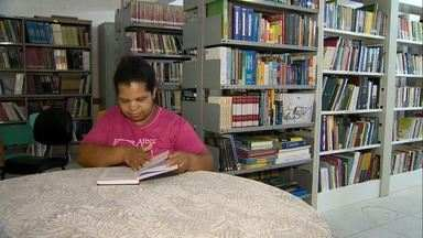 Biblioteca de Domingos Martins, ES, conta com acervo de mais de 20 mil livros - Local tem 52 anos de funcionamento.