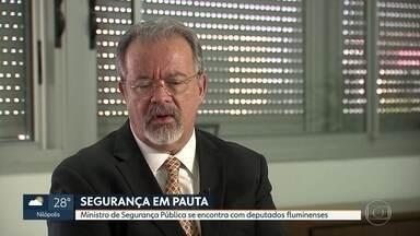 Ministro de Segurança Pública se reune com parlamentares no Rio - Encontro de Raul Jungamann acontece na escola superior de guerra