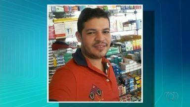 Jovem é encontrado morto dentro de carro em Araguaína - Jovem é encontrado morto dentro de carro em Araguaína