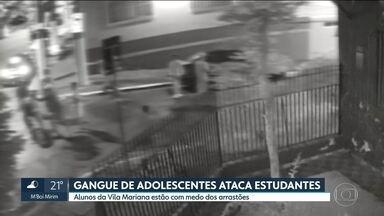 Alunos da Vila Mariana estão com medo dos arrastões - Uma gangue de adolescentes está aterrorizando os estudantes da Vila Mariana. Os alunos da região estão com medo dos arrastões.
