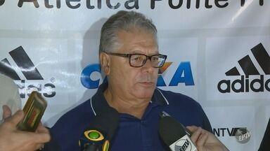 Técnico da Ponte Preta, Eduardo Batista, é demitido - O gerente de futebol, Gustavo Bueno, também foi demitido. A uma rodada do encerramento da primeira fase do Campeonato Paulista, a Macaca luta contra o rebaixamento.