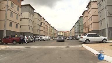 Famílias que moravam em áreas de risco recebem chaves de apartamento em Salvador - Moradores de novo residencial foram inscritos no programa habitacional 'Minha Casa Minha Vida'.