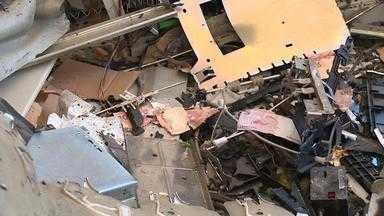 Agência bancária é arrombada com explosivos em Amaral Ferrador durante a madrugada - Foram relatadas ao menos sete explosões. Cidade foi alvo de um ataque semelhante há seis meses, com um refém.