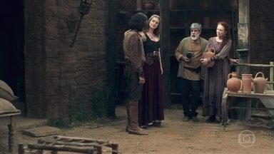 Martinho quer ensinar Levi a fazer cerâmica - Amália conversa com ele, mas tudo que o menino quer é ir embora de Montemor