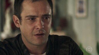 Gael pede ajuda a Mercedes - Josafá exige acompanhar a conversa, mas Mercedes o convence a deixá-la sozinha com o filho de Sophia. Gael pede ajuda para se livrar de seus monstros