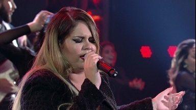 Marília Mendonça canta novo sucesso 'Transplante' - Cantora anima plateia e convidadas