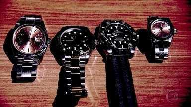 Gravações revelam como operava gangue de roubos de relógio de luxo - Uma das principais quadrilhas desse tipo de crime foi presa nesta semana. No trânsito, bandidos conseguem enxergar marcas caras no braço de motorista.