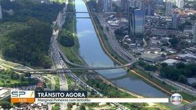 Marginal Pinheiros tem trânsito acima do normal no sentido Interlagos - Lentidão começa na Ponte do Morumbi e segue até a Ponte Transamérica