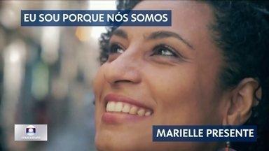 """""""Eu sou porque nós somos"""", dizia Marielle Franco - Foram 649 mortes violentas no estado só em janeiro de 2018. A execução covarde da vereadora Marielle Franco causou comoção nacional. Ela era uma batalhadora pelos direitos das minorias e a quinta vereadora mais votada no Rio."""