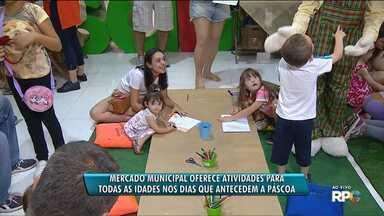Mercado Municipal oferece atrações para todas as idades em semanas que antecedem a Páscoa - Além de ingredientes para Páscoa, pais podem aproveitar para levar seus filhos para brincar
