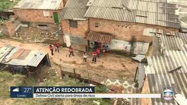 Urbel retira famílias vizinhas da BR-356, na Região Centro-Sul de Belo Horizonte - Justiça determinou que os moradores da área de risco saiam do local em 48 horas. Muro de contenção ameaça desabar, segundo a Defesa Civil.