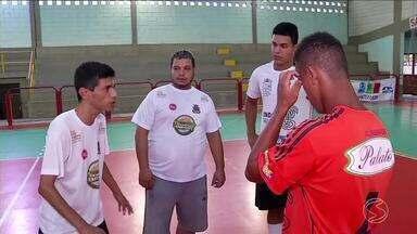 Copa Rio Sul de Futsal: Barra Mansa é exemplo de fairplay em jogo com Barra do Piraí - Time emprestou equipamentos para a equipe visitante.