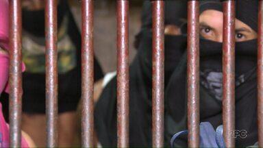 Delegacias interditadas no Paraná continuam recebendo presos - As delegacias foram interditadas por superlotação.