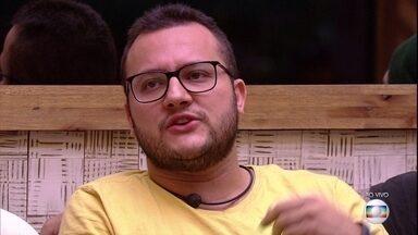 Após indicação, Diego diz que não consegue dialogar com Gleici - Após indicação, Diego diz que não consegue dialogar com Gleici