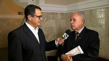 Presidente da Academina Sergipana de Letras lança livro - Obra 'Perfis Acadêmicos' analisa contribuição de escritores sergipanos.