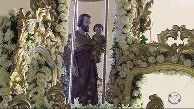 Fiéis celebram dia de São José e fazem pedidos especiais - Celebração da Missa foi realizada para comemorar este dia.