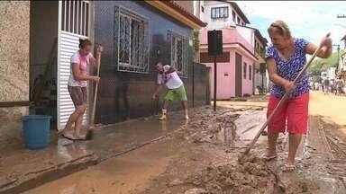 Rio Novo do Sul tem 10 mil afetados pelas chuvas e recebe doações no ES - Há necessidade de água, alimentos, roupas de cama e material de limpeza.