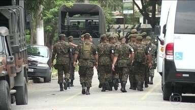 Forças Armadas realizam inspeção no Batalhão de Operações Especiais do Rio de Janeiro - O Bope passa por uma vistoria na manhã desta quarta-feira (21) em mais uma etapa da Intervenção Federal que começou há pouco mais de 1 mês no Rio de Janeiro. Essa á a segunda unidade da polícia militar que as autoridades federais vistoriam.