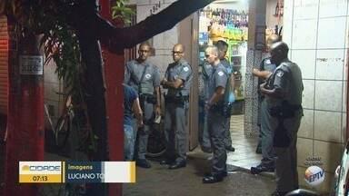 Dupla é baleada por dono de bar durante tentativa de assalto em Ribeirão Preto - Suspeitos seguem internados sob escolta policial.