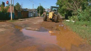 Prefeitura de São Carlos investe mais de 2,5 milhões para recapear ruas do Cidade Aracy - De acordo com a Secretaria de Obras, a previsão é terminar essa primeira fase de trabalhos em 90 dias.