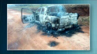 Dois corpos carbonizados são encontrados em caminhonete - Corpos estavam em uma estrada entre Altônia e Iporã. Corpos ainda não foram identificados.